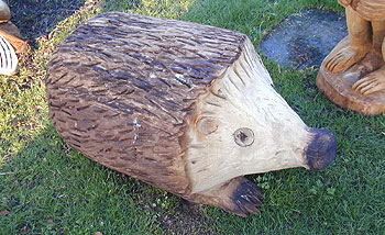 Mick burns chainsaw sculptor gallery 12.115. hedgehog